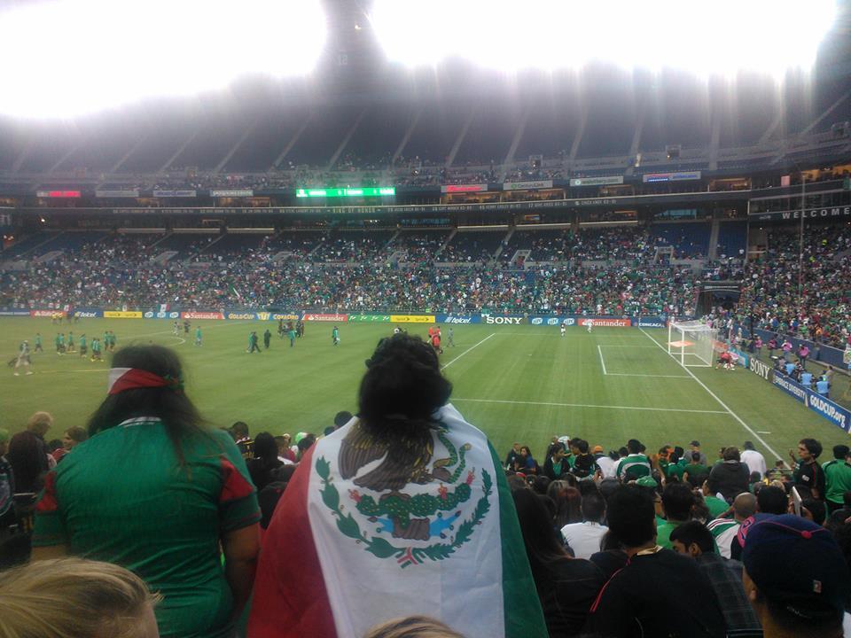 Buen ambiente en el partido Mexico vs Canada