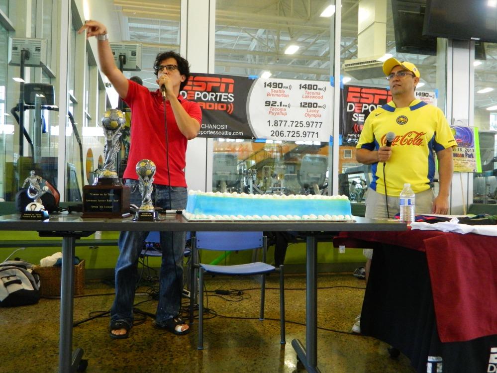 Diego Arrioja y Paco Díaz de Latinfut Radio Show
